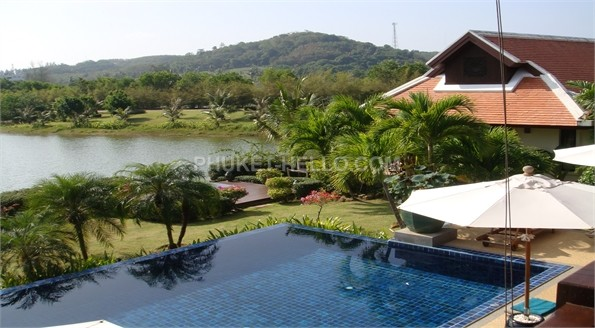 Villa with 6 bedrooms close to the beach