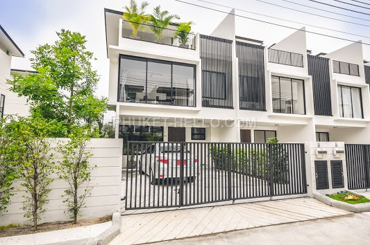 TOWNHOUSE IN LAGUNA PARK 3 bedrooms